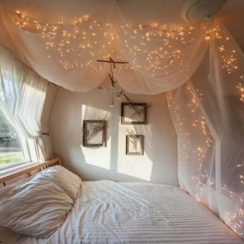 5 ways to make your bedroom look magical using fairy lights!