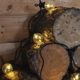 festoons in a log cabin